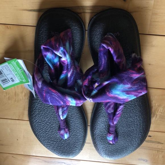 65ce2760314ed9 Sanuk Sling yoga sandals. Size 10